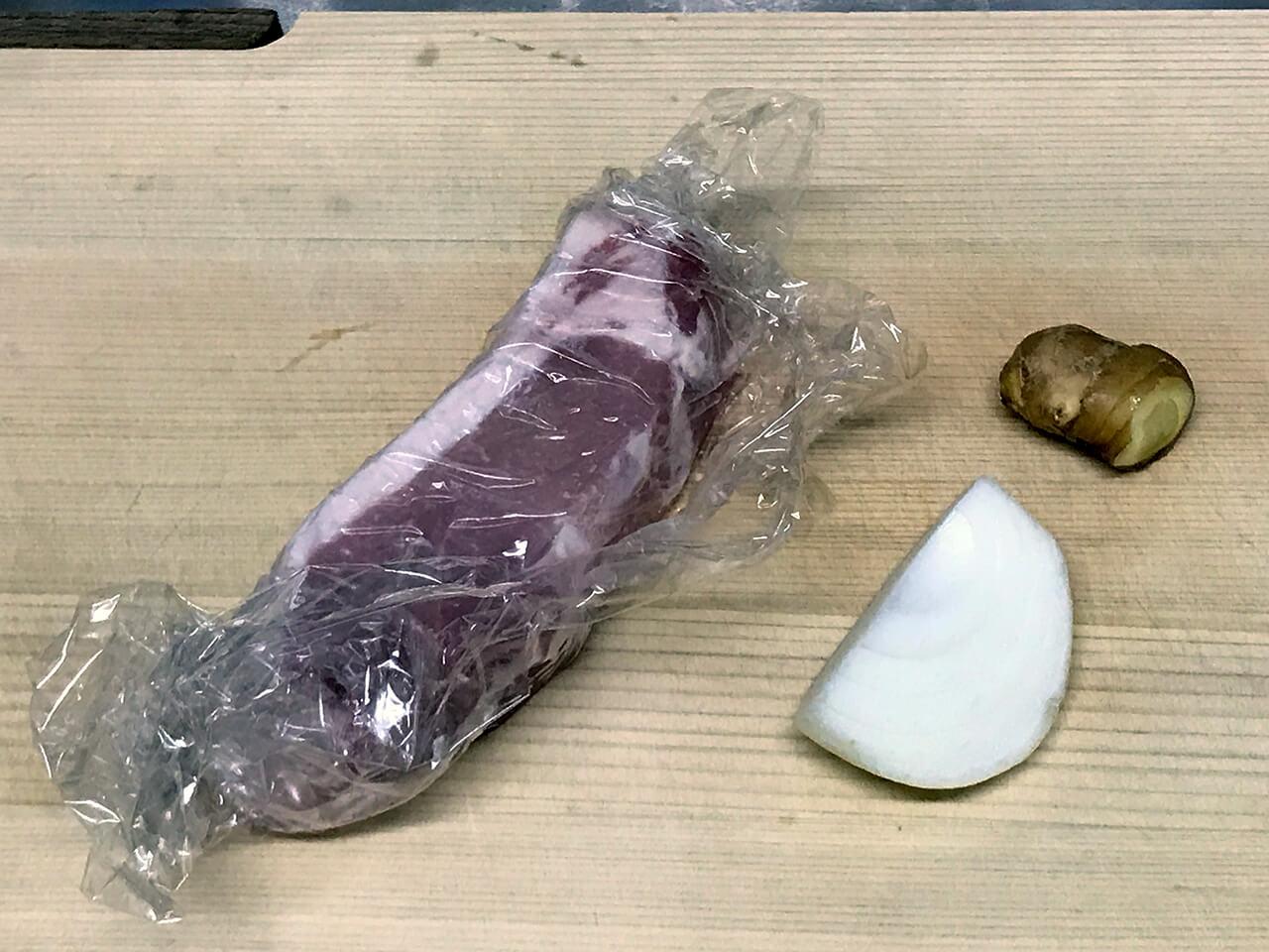 豚ロース生姜焼き  材料