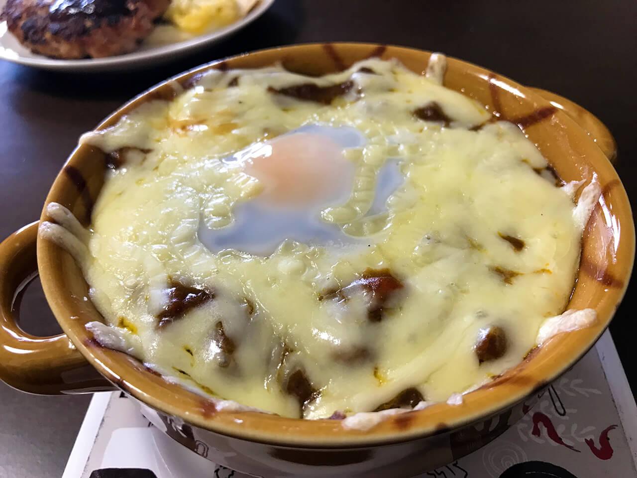 8.卵の白身が白くなったらできあがり。よくかき混ぜて食べてください。