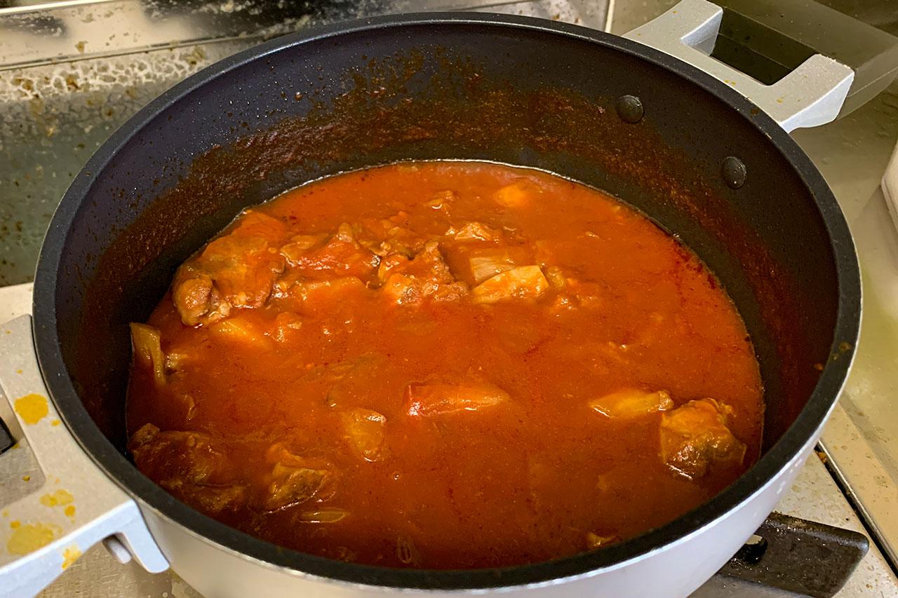 15.煮汁が半分になるまで煮詰めたらできあがり。※トマトピューレを使った時は不要