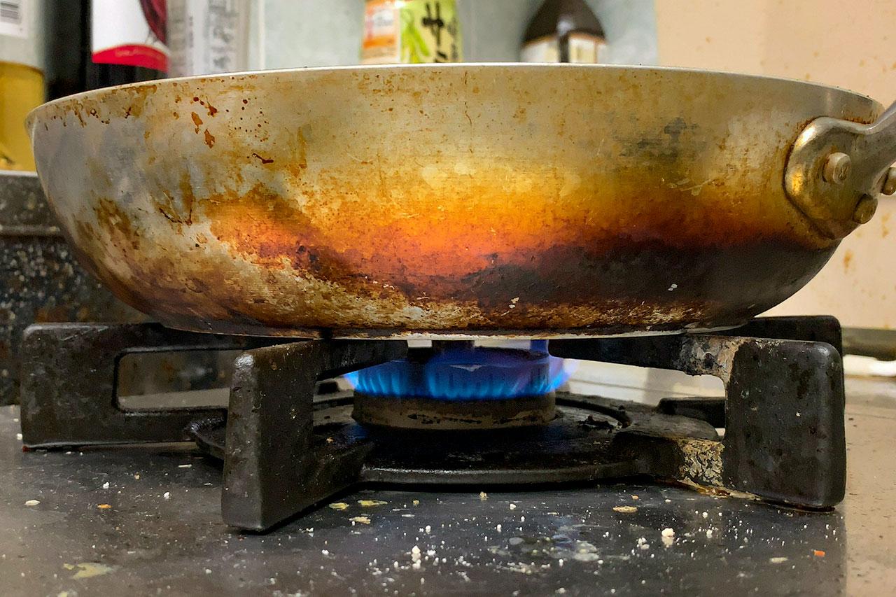 4.キッチンタイマーを10分にセットする 5.中火で加熱し、キッチンタイマーをスタートさせる
